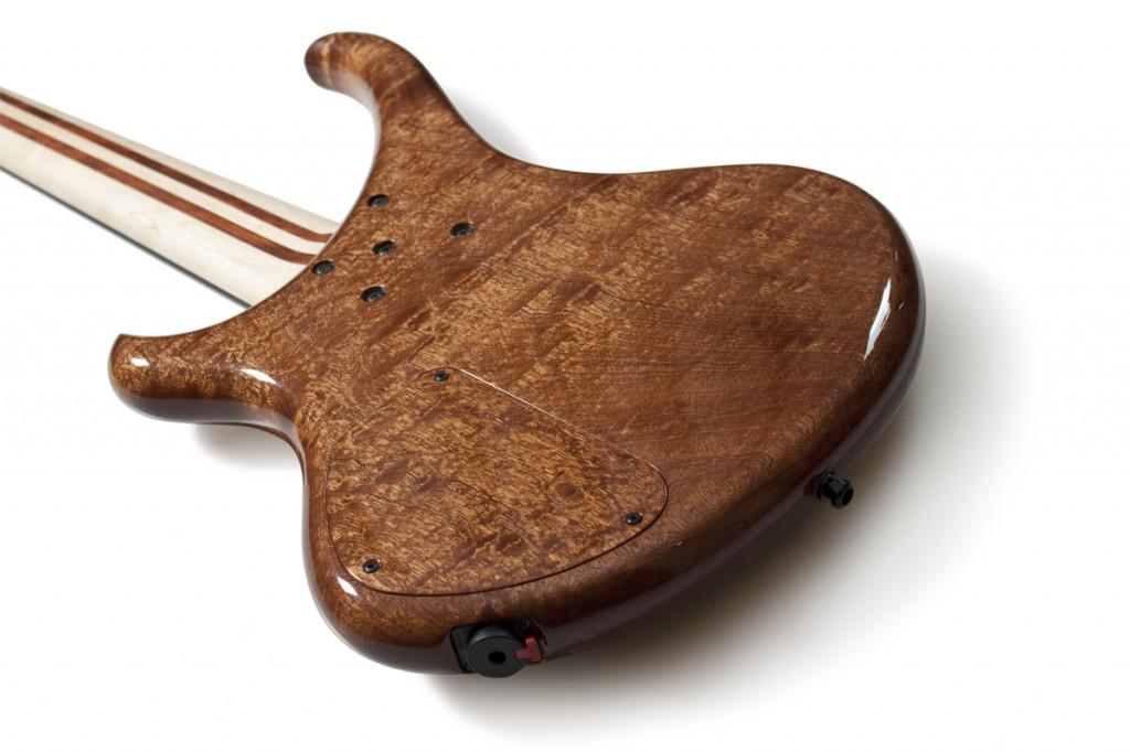 BassLine Buster CW 5 sapelli pommelé body custom bass