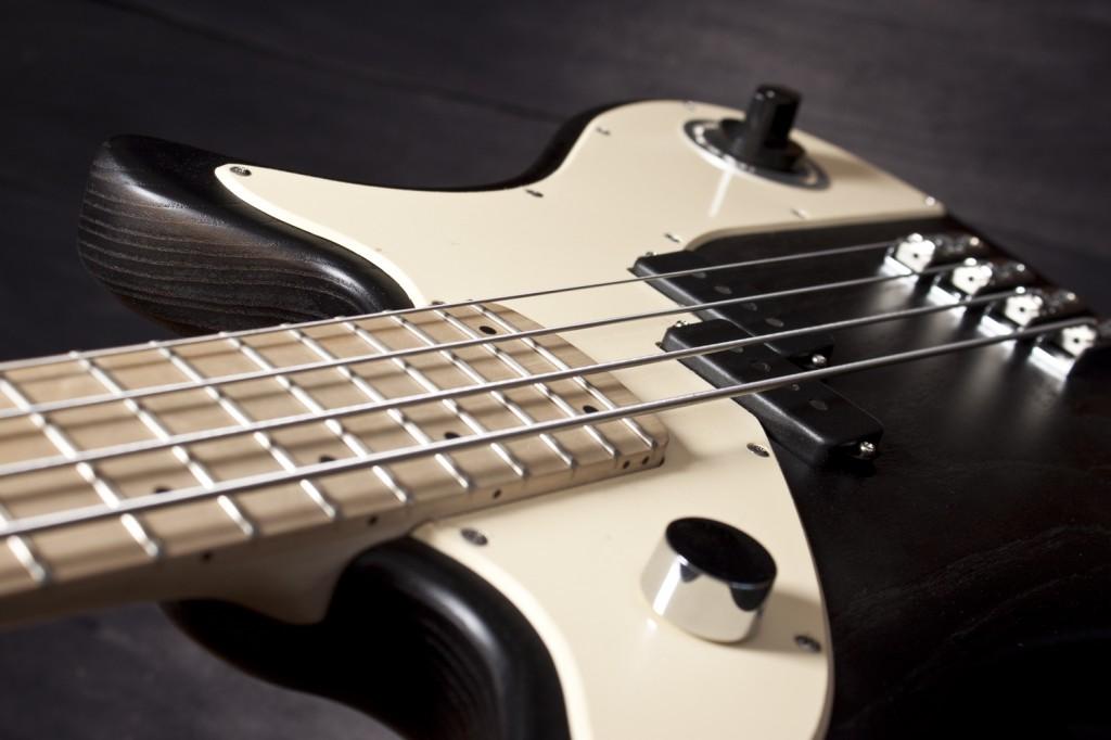 BassLine rebelle series passive p style custom swamp ash bass