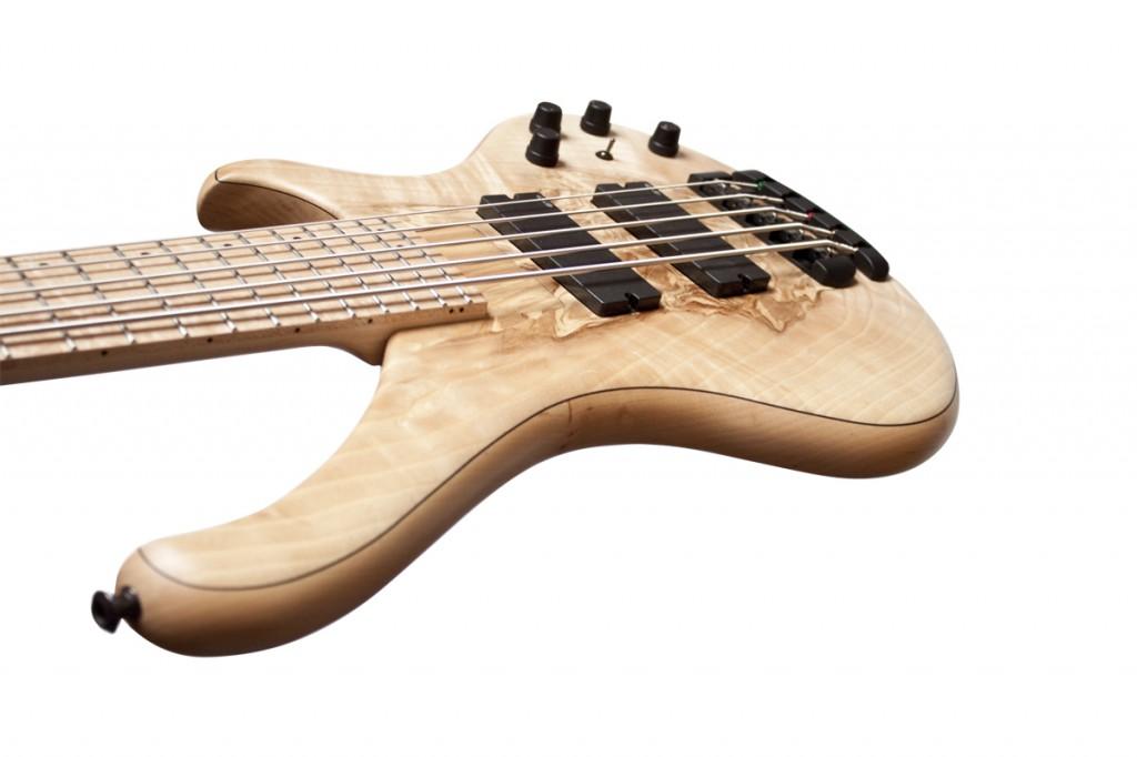 BassLine Buster CW 5 custom bass alder ash emg pickups 18V