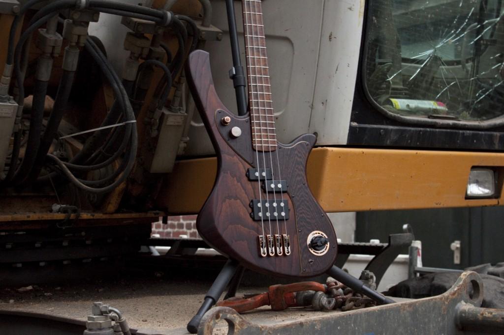 BassLine rebelle series custom bass modern vintage copper swampash