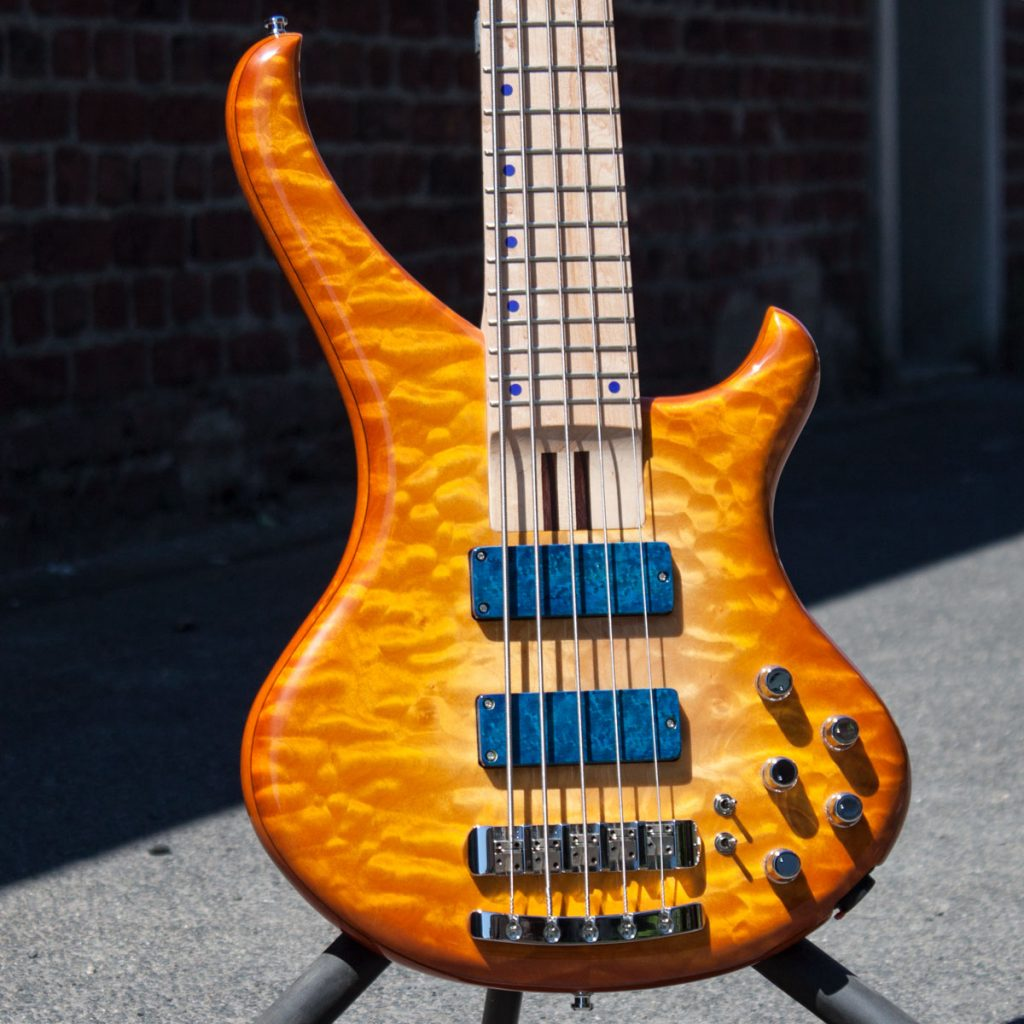 BassLine Buster CW quilted maple custom bass made in germany
